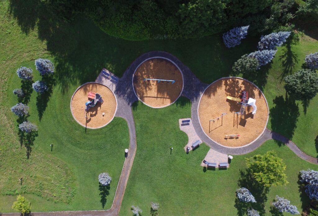 Spielturm mit Schaukel kaufen - Ekogarden.de